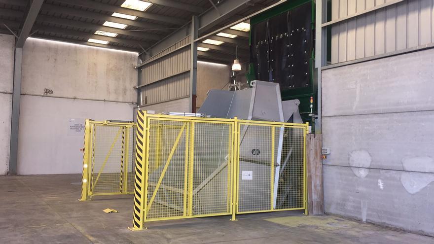 Imagen de la instalación industrial, radicada en la dársena pesquera del puerto de Santa Cruz