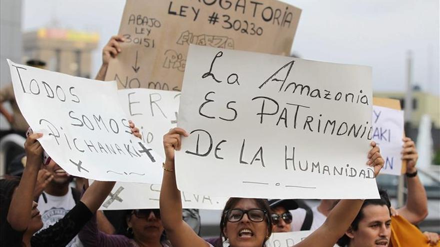 Pobladores marchan por la paz en la urbe peruana que protestó contra Pluspetrol