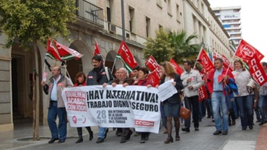 Representantes De CCOO Y UGT En Una Manifestación Por La Salud Laboral.