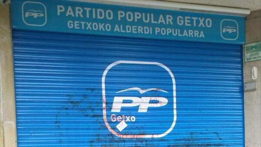 Un edil de Bildu apoya un texto de condena al ataque a la sede de PP de Getxo