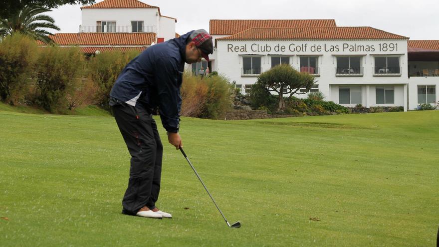 El Real Club de Golf de Las Palmas (RCGLP) congregará a partir de este miércoles a 270 jugadores aficionados en las categorías masculina y femenina.