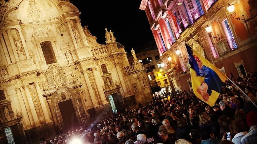 Milles de personas se concentran contra el auge de Vox en el país