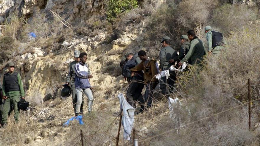 Unos 200 subsaharianos protagonizan un nuevo intento de entrada a Melilla