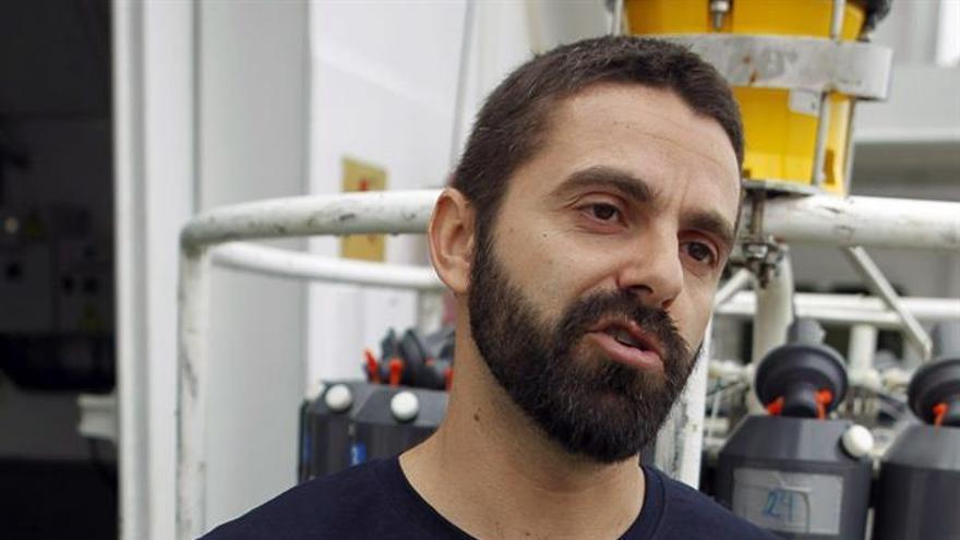 El investigador del Centro Oceanográfico del IEO en Canarias, Eugenio Fraile.EFE/Cristóbal García