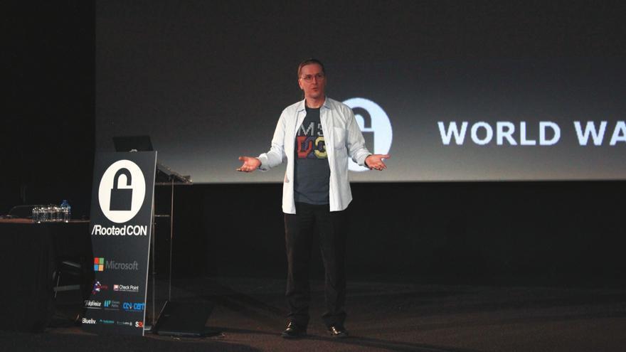 Mikko Hypponen, durante su ponencia en el congreso de seguridad Rooted CON