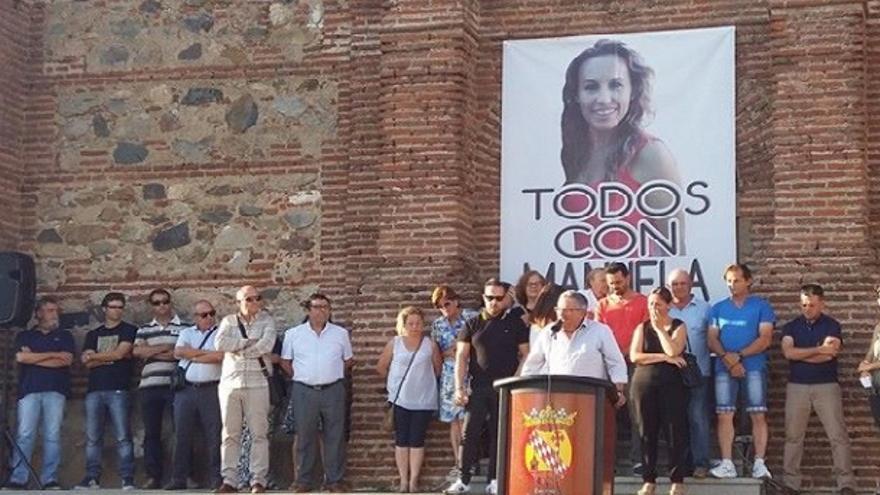 Alcalde de Monesterio hablando en la concentración