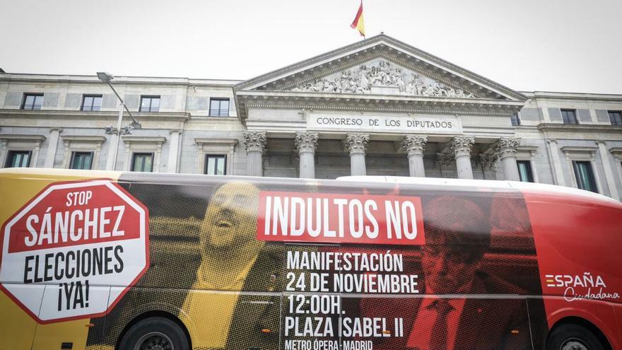 Autobús de España Ciudadana contra los indultos