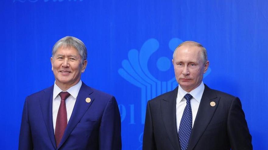 Rusia presidirá la postsoviética CEI en 2017 pese a las protestas de Ucrania
