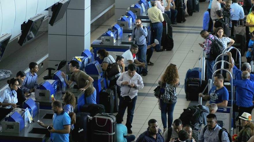 Polémica en Panamá por posibles impuestos a turistas y pasajeros en tránsito