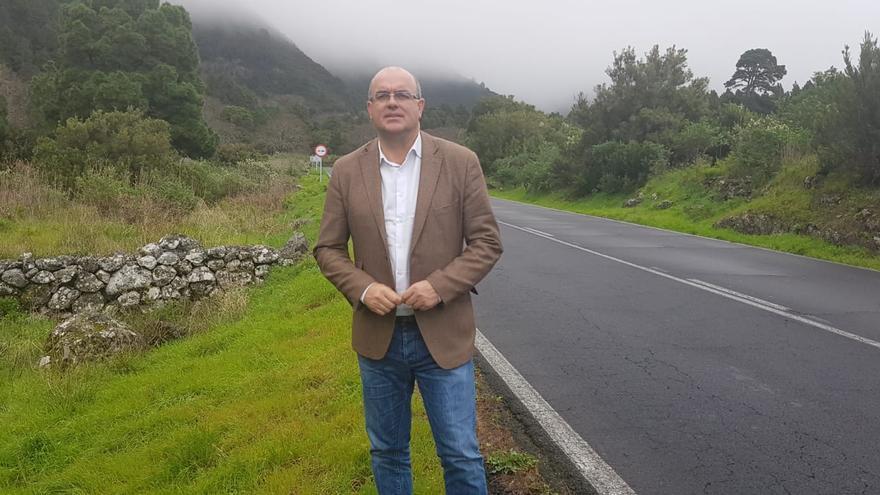Anselmo Pestana en la carretera de La Cumbre.