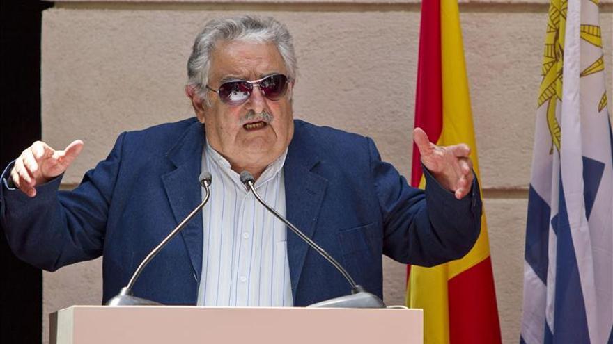 El presidente de Uruguay recibe el Premio Libertad Cortes de Cádiz
