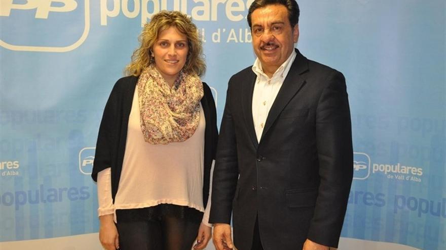 Marta Barrachina, vicesecretaria del PP en Castellón, junto a Francisco Martínez