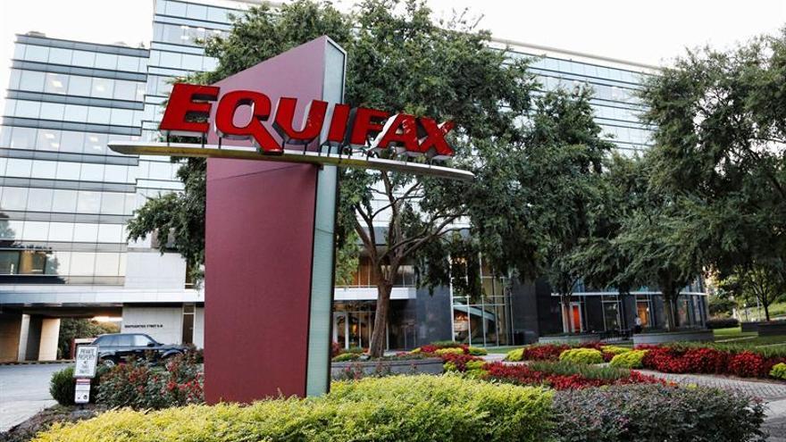 Vista general del edificio de Equifax en Atlanta, Georgia (Estados Unidos)