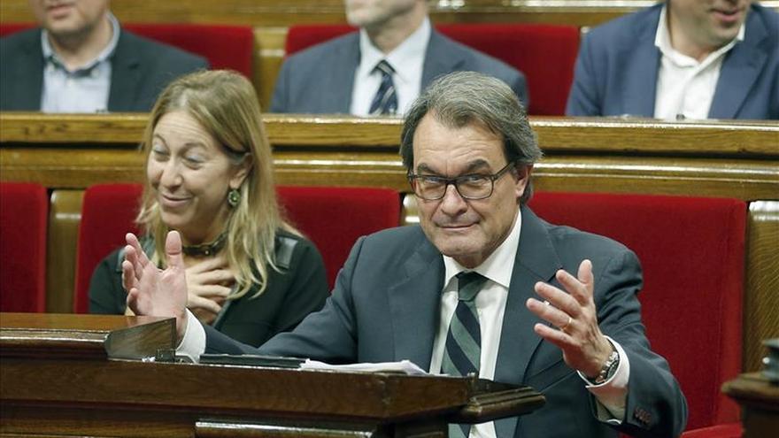 Mas ofrece a la CUP ser presidente cediendo peso a Junqueras, Romeva y Munté