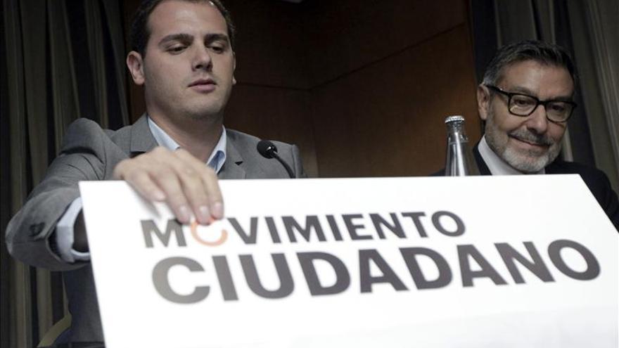 Albert Rivera salta a la política nacional con la plataforma Movimiento Ciudadano
