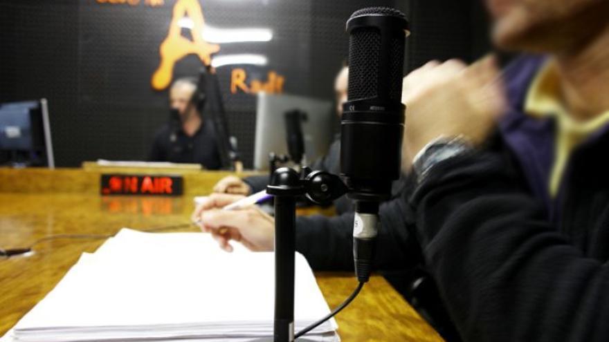Radio instalada en la prisión pontevedresa de A Lama como parte de un proyecto de Comunicación para el Desarrollo./ Fotografía: Agareso.