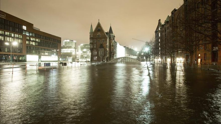 El temporal paraliza el tráfico en Alemania aunque causa leves daños