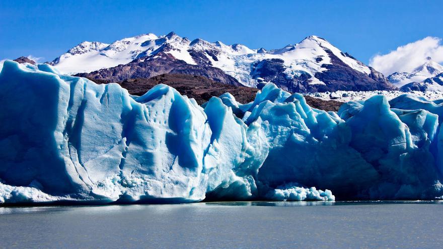 Paredes de hielo en el Glaciar Grey, en Torres del Paine (Chile). VIAJAR AHORA