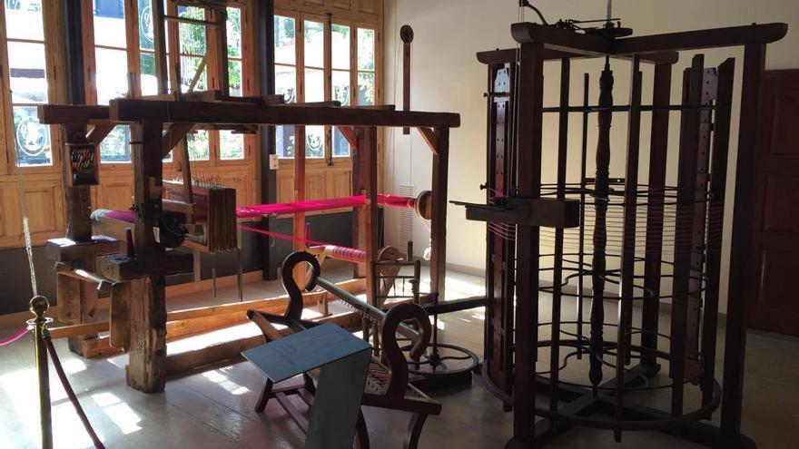 Varios telares restaurados del Museo de la Seda