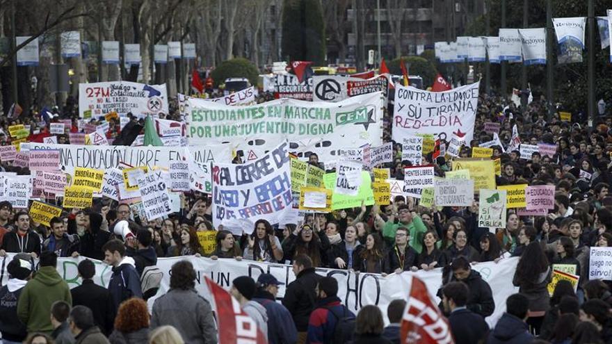 Los estudiantes de institutos y universidades, llamados hoy a la huelga
