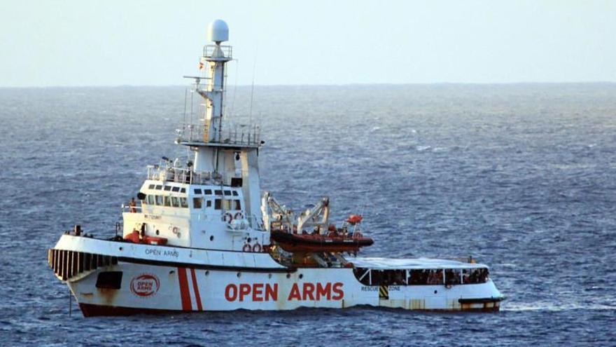 El barco Open Arms ya está en aguas italianas