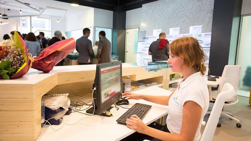 Gran canaria reabre su oficina de informaci n tur stica de for Oficina de informacion turistica
