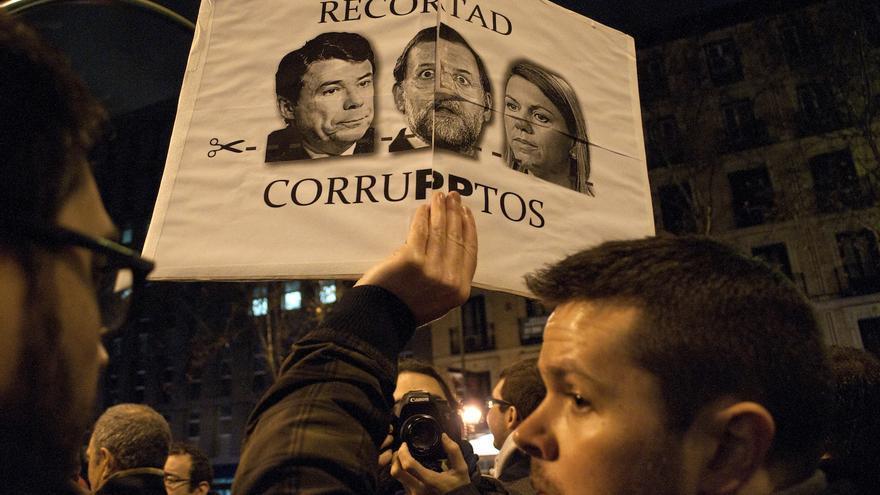 Recortad corruptos. Cómo en otras manifestaciones, las consignas han sido variadas / Álvaro Minguito