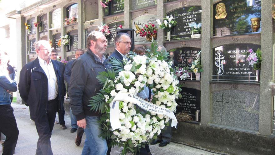Familiares, amigos y políticos recuerdan al concejal de UPN Tomás Caballero, asesinado por ETA en 1998