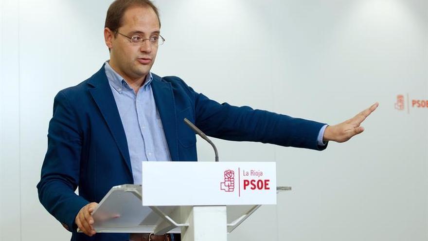 Díscolos del PSOE arremeten contra la gestora por el castigo impuesto