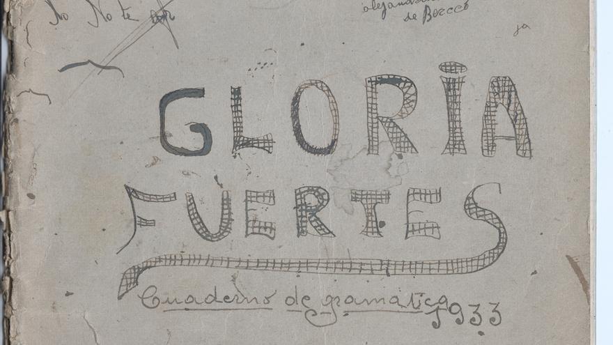 Cuaderno de gramática de una joven Gloria Fuertes