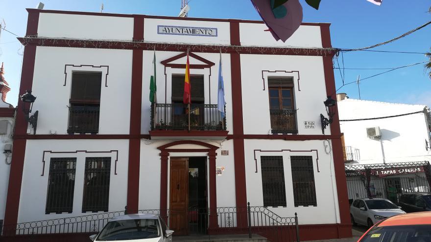 Fachada principal del Ayuntamiento de Villanueva del Ariscal (Sevilla)