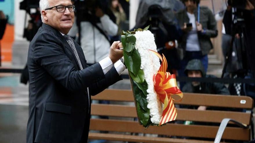 """El concejal del PP Josep Bou rinde homenaje al """"españolazo"""" Rafael Casanova"""