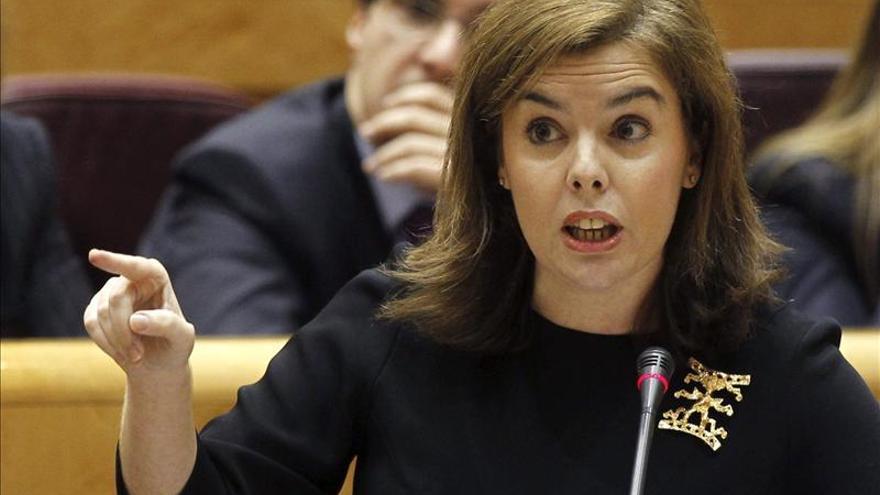 Sáenz de Santamaría invita al PSOE a sumarse a la recuperación dos años después del 20N
