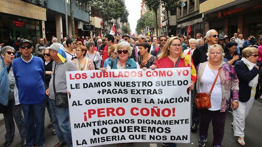 Manifestación en Las Palmas de Gran Canaria por la subida de las pensiones.