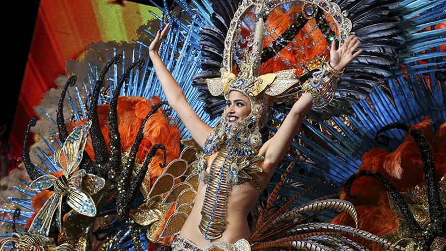 Amanda Perdomo, reina del Carnaval chicharrero 2014.