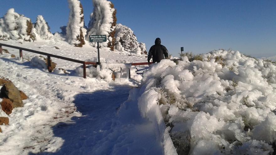 Imagen de El Roque de Los Muchachos, en la tarde de este martes, cubieRto de hielo y nieve . Foto: JOSÉ HERIBERTO LORENZO.