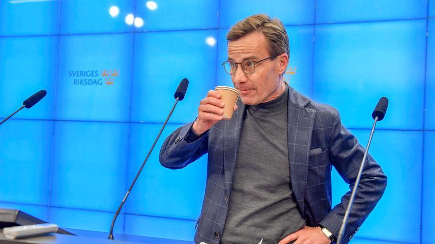 Líder conservador recibe encargo para formar gobierno en Suecia