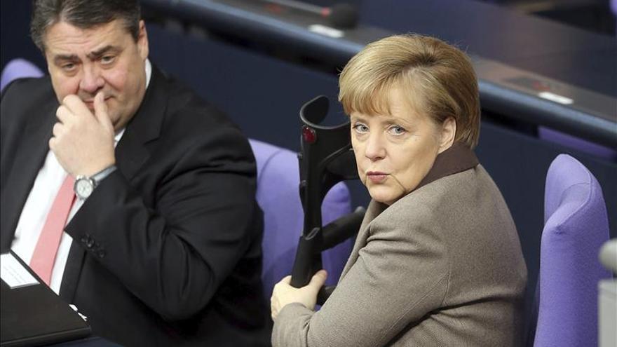 """Merkel pide a Putin un postura """"constructiva"""" en Ucrania"""