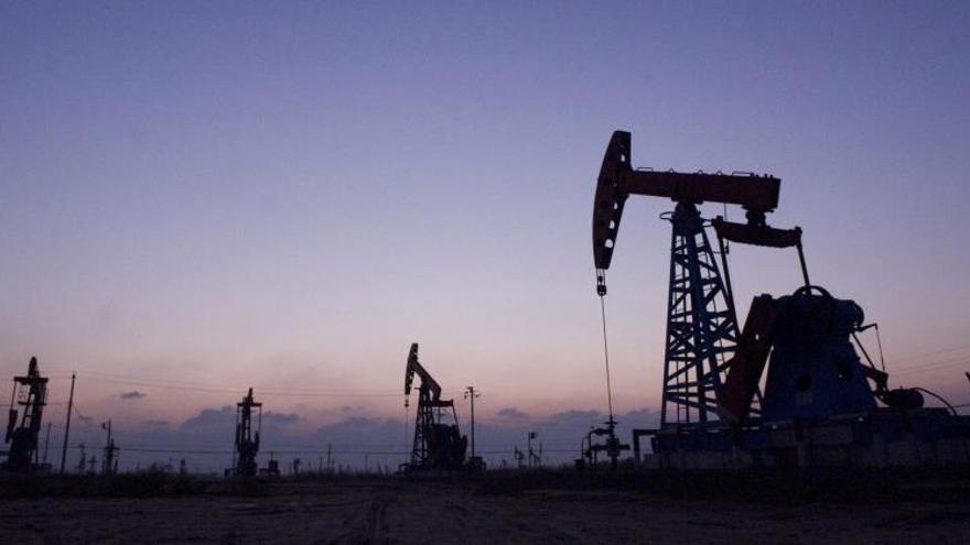 El petróleo de Texas sube levemente pero cierra la semana con caída del 7,6 %