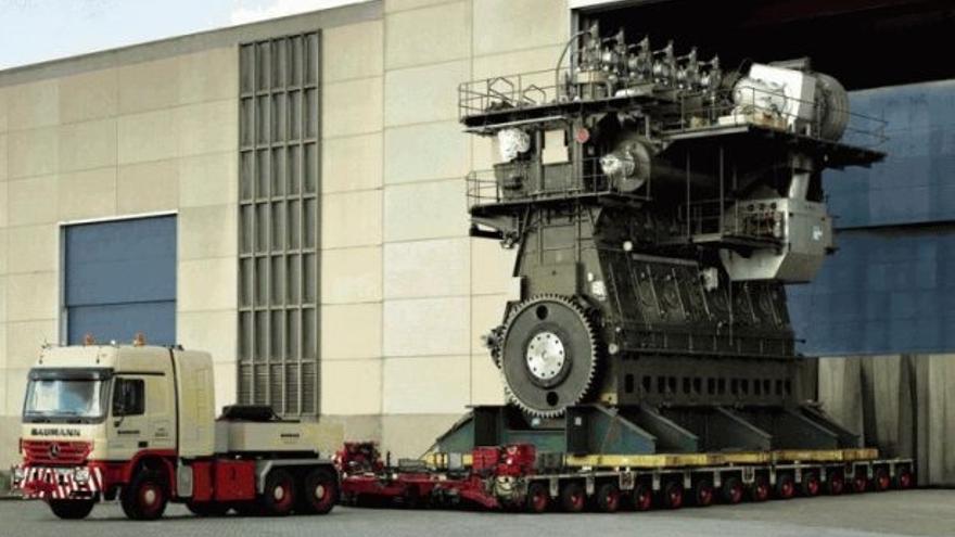El mastodóntico motor diésel, a bordo del carguero Emma Maersk.