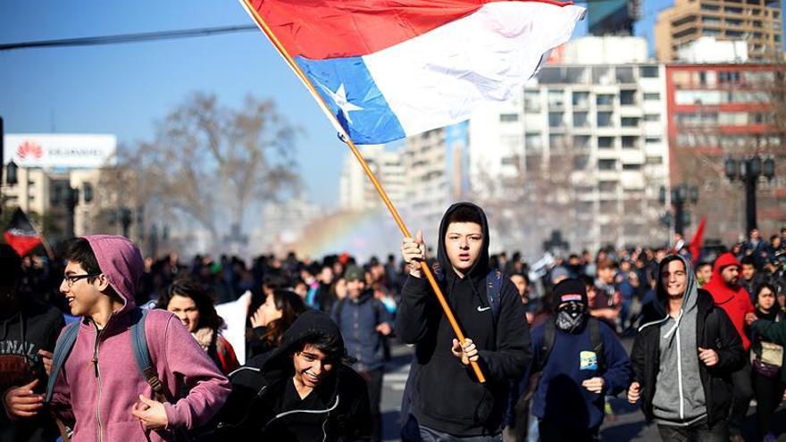 Estudiantes chilenos anuncian nueva marcha en rechazo a la reforma educativa