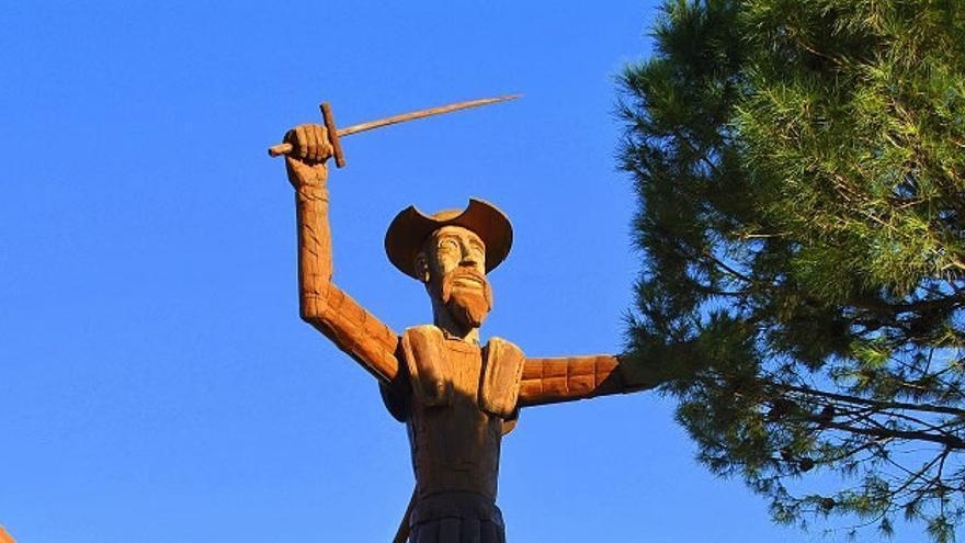 Escultura de Don Quijote en El Mirador de la Mancha