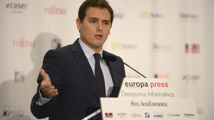 Rivera aún confía en una moción de censura que eche a Puigdemont y apela a diputados del PDeCAT