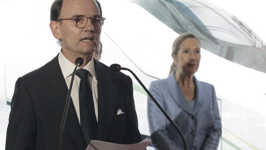 El presidente de Talgo, Carlos de Palacio Oriol, junto a Ana Pastor en julio de 2014. EFE