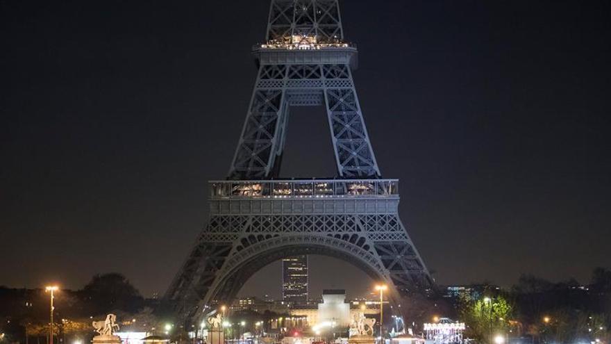La torre Eiffel está cerrada por tercer día consecutivo a causa de una huelga