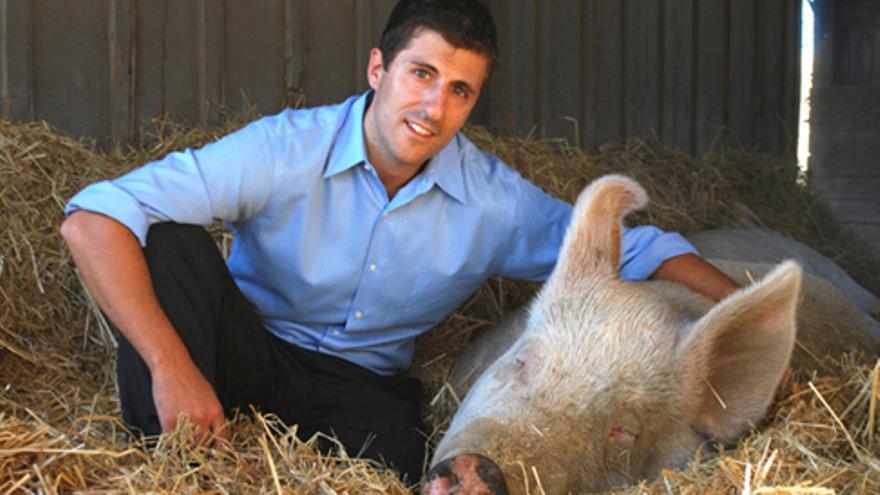 Nick Cooney, fundador de The Humane League y autor de 'Cambio en el corazón'