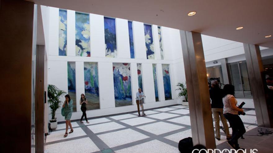 Patio del Centro de Arte Rafael Botí, en la presentación de la inauguración para los medios de comunicación | MADERO CUBERO