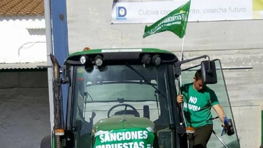 Protesta con tractorada / @apag_extr_asaja