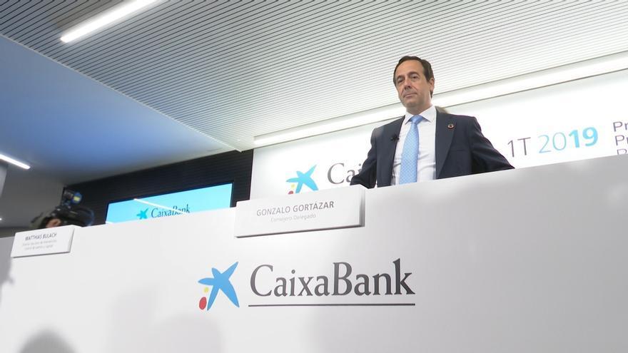 CaixaBank aclara al futuro Gobierno que el sector no es responsable de los errores de otras entidades