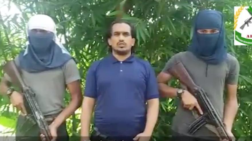 El líder de la insurgencia rohingya, Ata Ullah, en uno de sus comunicados difundidos en la red.